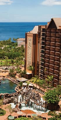 The pool area and ocean at Aulani, A Disney Resort & Spa in Ko Olina, Hawaiʻi