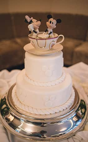 fairytale wedding cake ideas cruise wedding spotlight charise and 14102