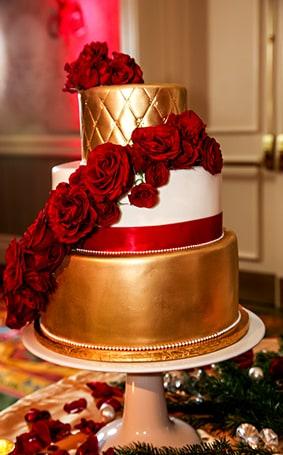 Wedding Cake Wednesday: Gold Sophisticated Glamour | Disney Weddings