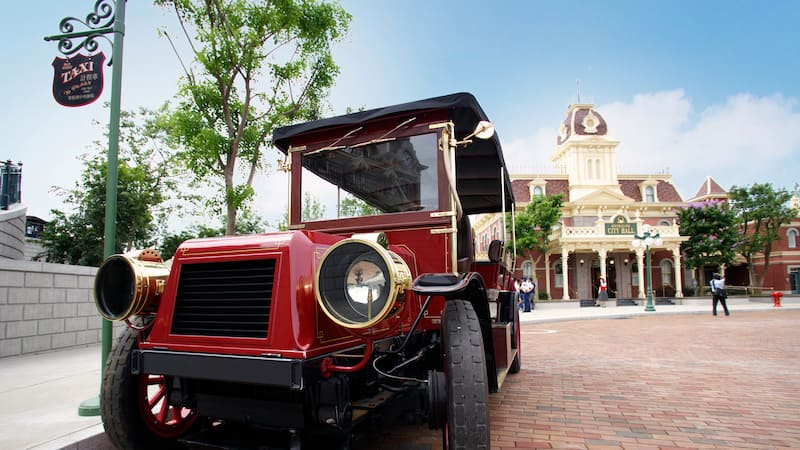 Main Street Vehicles Hong Kong Disneyland Resort