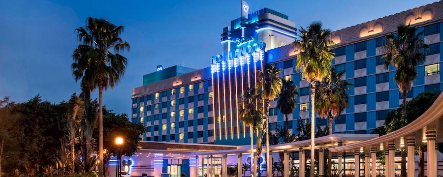Disney S Hollywood Hotel Hong Kong Disneyland Official